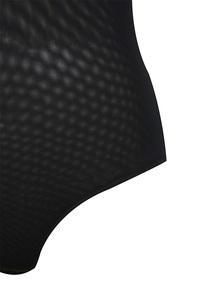 moulin in black